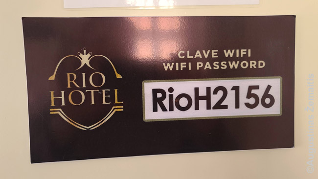 WiFi slaptažodis dažnai būna parašytas ir viešai - pvz. viešbučio numery. Bet geriau paklausti