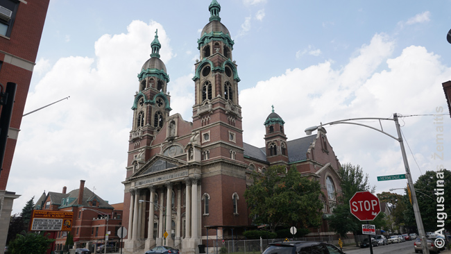 Čikagos Šv. Kryžiaus lietuvių bažnyčia.