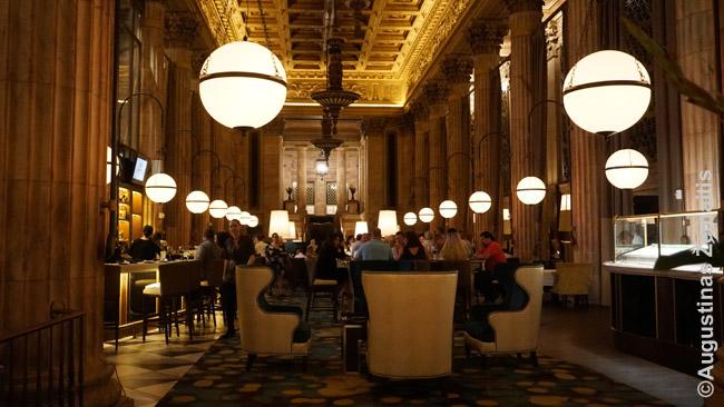Prabangūs restoranai - dažno turtingesnio amerikiečio hobis. Jų pasirinkimas - milžiniškas, bet kainos ten - irgi