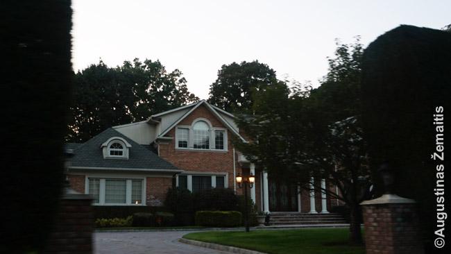 Pasiturinčio amerikiečio namas Niujorko priemiestyje