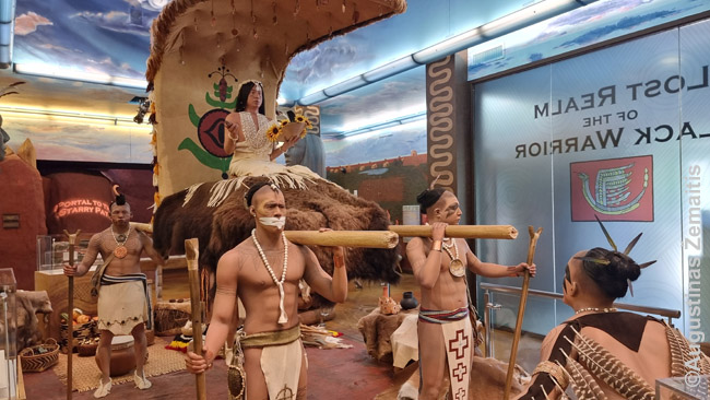 Beveik išnykusių JAV Pietų indėnų manekenai Moundville