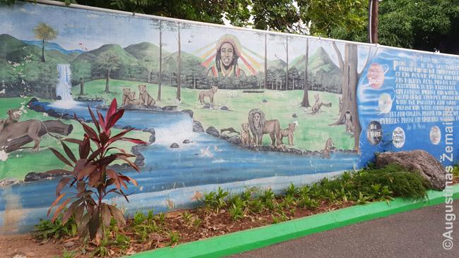 Simbolinės freskos pire Bobo Marlio muziejaus, daug kurių atspindi rastafarizmą