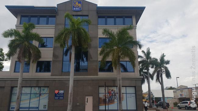 Vienas gausybės bankų Kaimanų salų sostinėje Džordžtaune