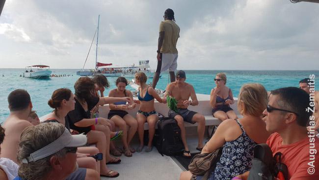 Laivu į Rajų miestą Kaimanų salose