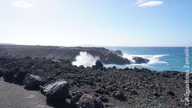 Vulkaninis Lanzarotės krantas
