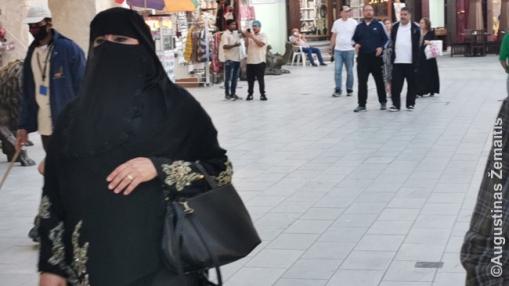 Kataro moteris