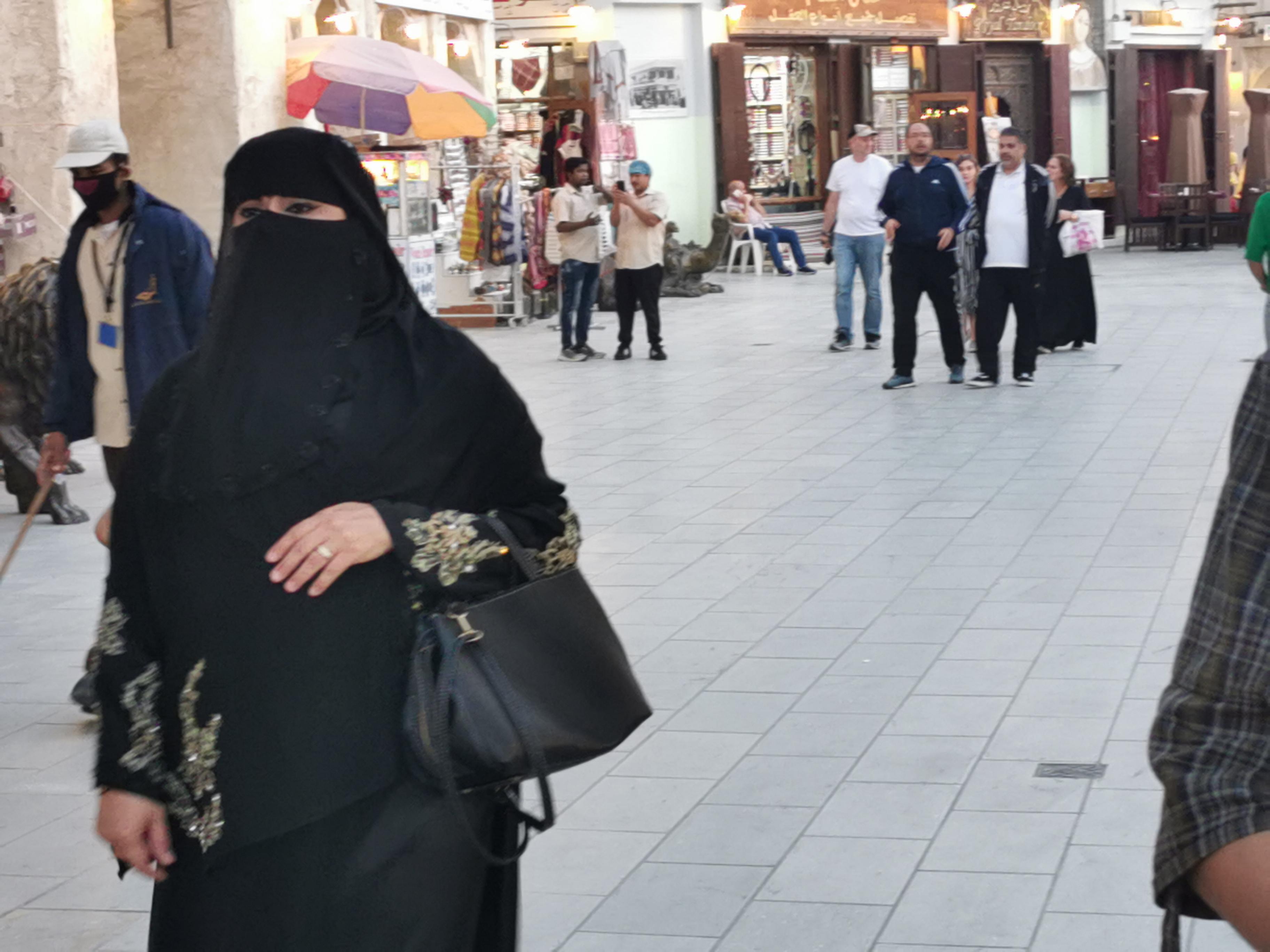Kataro moterims papildomų veido kaukių nereikia