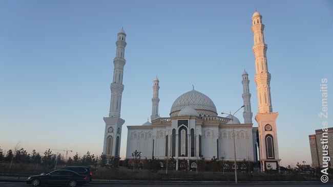 Viena naujųjų didžiųjų Astanos mečečių