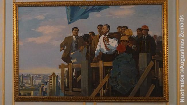 Nazarbajevas prižiūri Astanos statybas. Paveikslas Pirmojo Kazachijos prezidento muziejuje