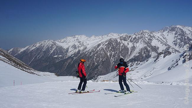Slidininkai Šimbulako slidinėjimo kurorte Kazachijoje