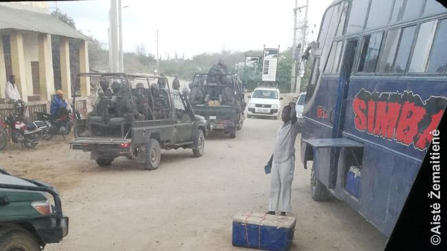 Armija tuoj lydės mūsų autobusus