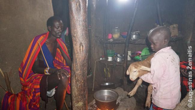 Masajų namo viduje