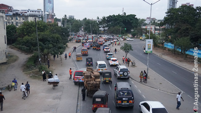 Chaotiška gatvė Mombasoje