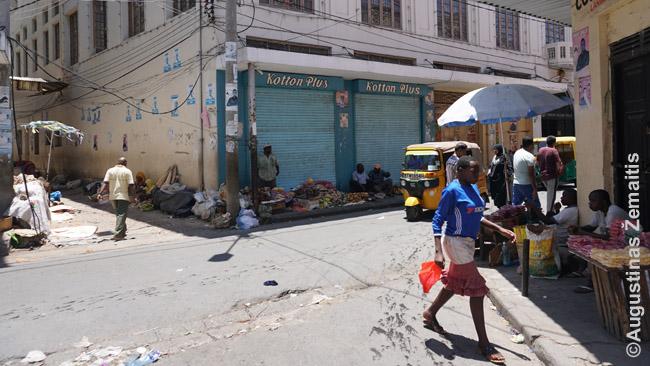 Šiukšlinas Mombasos gatvės turgus