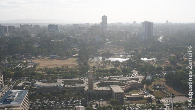 Nairobis žvelgiant nuo aukščiausio jo pastato - Dž. Kenjatos konferencijų centro