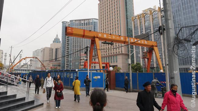 Metro statybos - nuolatinis vaizdas Kinijoje