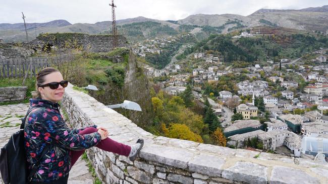Džirokasterio pilyje Albanijoje pakeliui iš Sarandos į Makedoniją