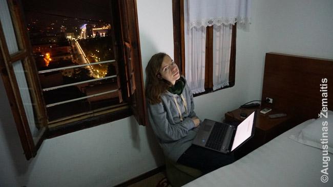Ankšta darbo vieta tradiciniame name Beratyje, Albanijoje