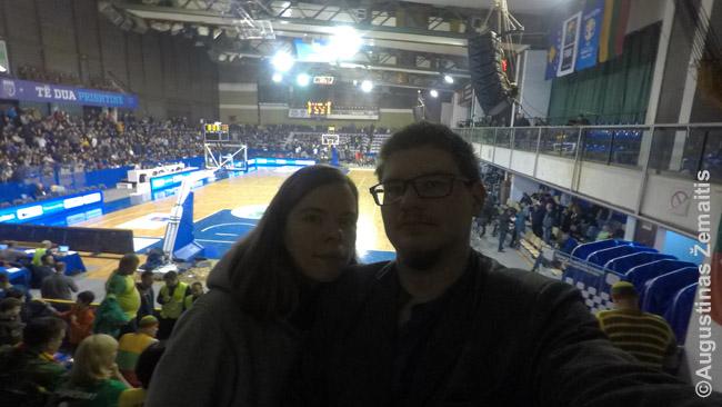 Krepšinio varžybos Lietuva-Kosovas. Užsukome pakeliui namo iš Balkanų