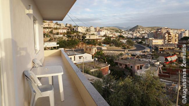 Buto balkonas Sarandoje