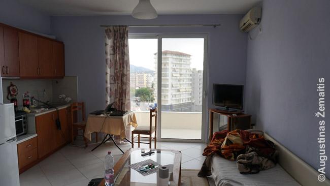 Naujai įrengtas butas Sarandoje