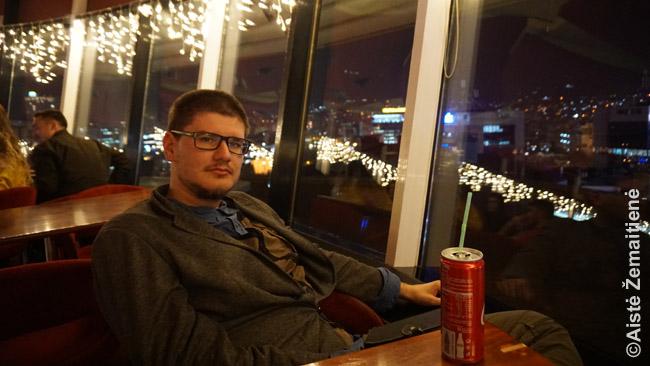 Kola Tiranos Sky Bar