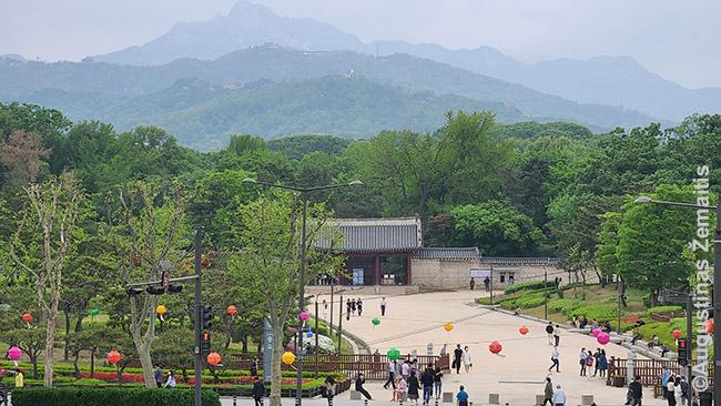 Džongmio šventykla Seule, kur įšventovinti Korėjos valdovai
