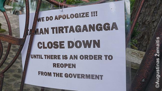 Pranešimas prie Tirta Ganga rūmų