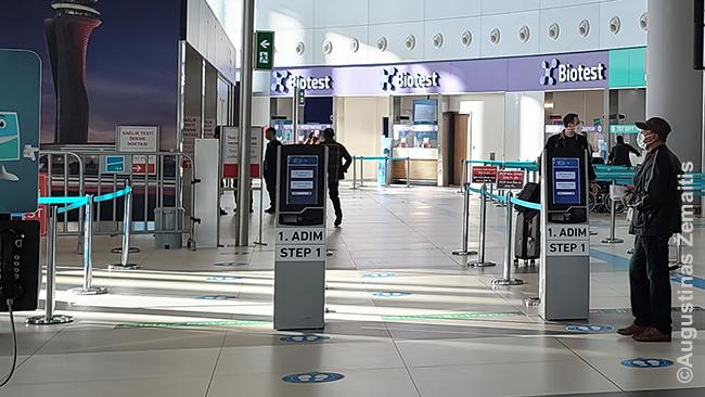 Modernus COVID testų skyrius Stambulo oro uoste