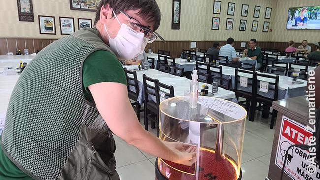 Modernus dezinfekavimo aparatas San Paulo restorane