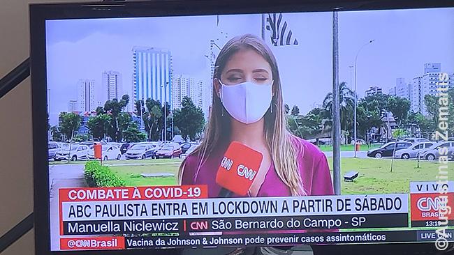 Dar Brazilijoje (vieną paskutinių dienų) regėta žinių laida apie San Paulo priemiesčiuose įvedamą karantiną. iesa, kaip pasakojo pažįstamas daktaras ir ką atspindi Brazilijos spauda, karantinai ten - trumpi ir būna tol, kol ligoninės perpildytos, o šiaip jau susitaikyta su tuo, kad, kol nebus vakcinuota, daugelis persirgs