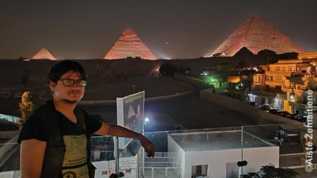 Piramidžių šviesų šou nuo viešbučio stogo - bilietų nereikia