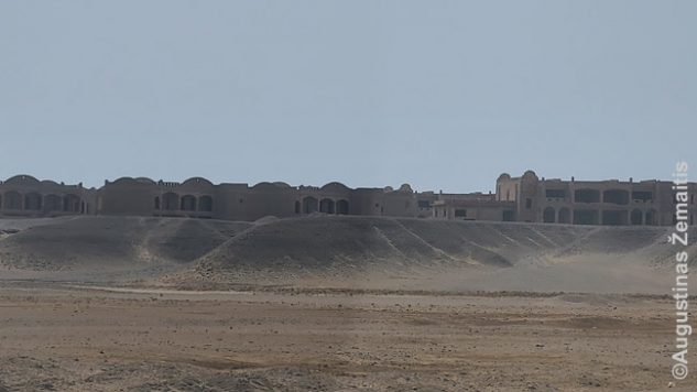 Eilinis nebaigtas statyti megaviešbutis į pietus nuo Hurghados