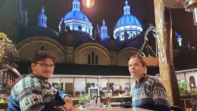 Vakarienė Kuenkoje, restoranams užleistame buvusios kunigų seminarijos kieme prie miesto katedros