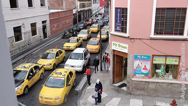 Taksi eilės Riobamboje