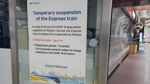 Pranešimas apie tai, kad greitasis traukinys į oro uostą nevažiuoja - tik įprastas metro. Greitajam rinkos nebeužtenka. Datos, iki kada jis nevažinės, vis stumiamos ir stumiamos tolyn