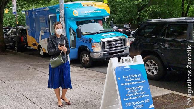 Skiepų furgonas, tykantis prie Niujorko miesto muzuiejaus