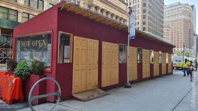 COVID-inis restoranas Niujorke