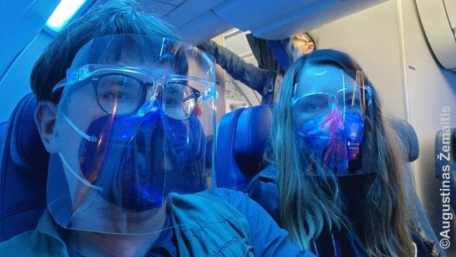 """Pakeliui namo. Panamoje įsigijome veido skydus (ten viešajame transporte jie buvo privalomi """"ant kaukių"""")"""