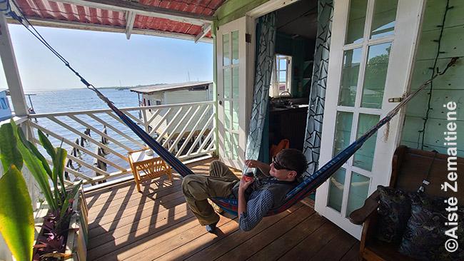 Bokas Del Toro išsinuomotame namelyje ant polių virš Karibų jūros - iš visų ateinančių metų jis buvo užsakytas gal tik dar dvi dienas