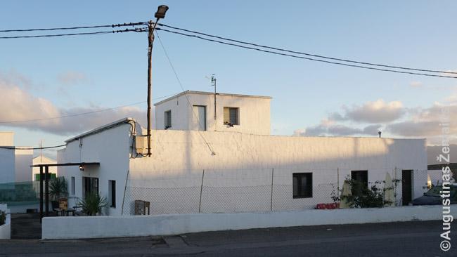 Tradicinis ir spartietiškas, bet nevisai pigus namas nakvoti Lanzarotėje