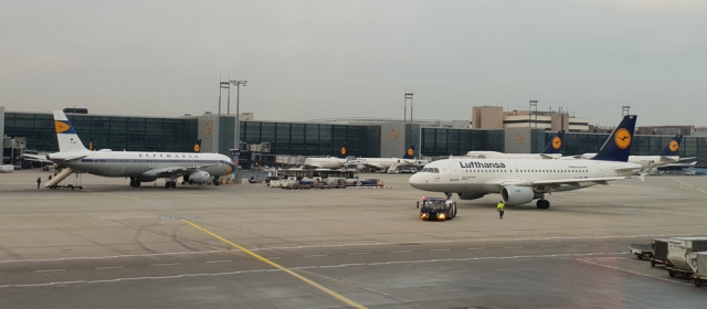 Kaip skristi lėktuvu ir ką daryti oro uoste