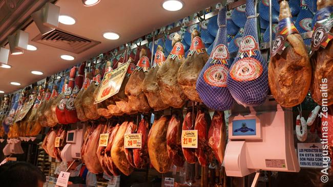 Tradicinių kumpių parduotuvėje Madride