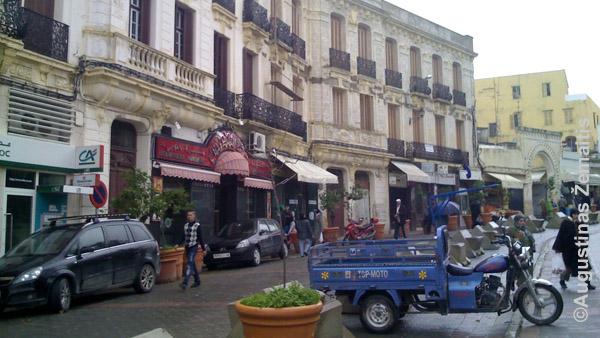 """Tanžero miesto Maroke """"Ville Nouvelle"""". Taip prancūziškai vadinami kiekvieno Maroko miesto prancūzų kolonistų pastatyti rajonai - jų architektūra tarsi Prancūzijoje"""