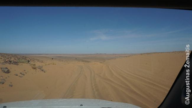 Važiuojant džipu per Mauritanijos dykumą