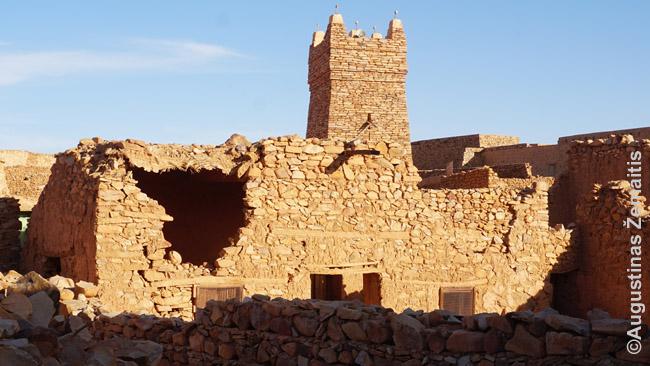 Šingečio istorinio miesto mečetė. Smėliu pustomas Šingečio senamiestis - UNESCO pasaulio paveldo sąraše
