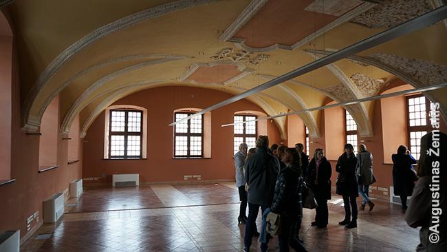 Biurų patalpos buvusioje vienuolyno valgykloje