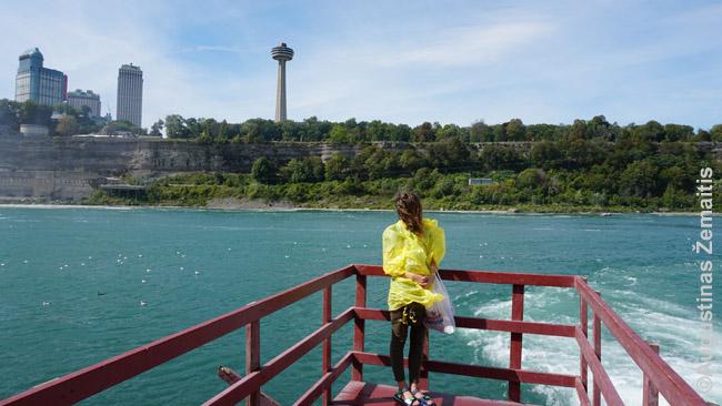 Niagaros upė žvelgiant iš Amerikos su Skylon Tower