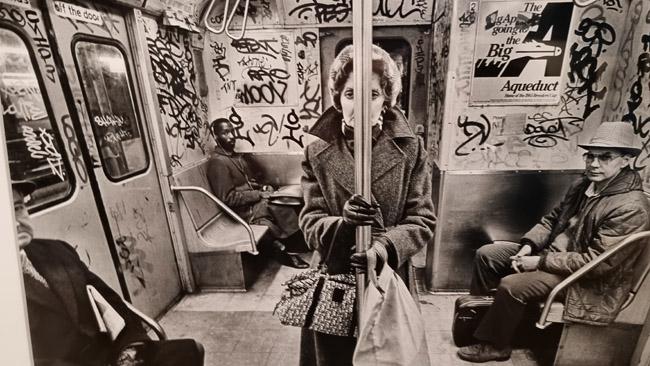 Niujorko miesto metro 'tamsiaisiais laikais'. Nuotrauka iš Niujorko miesto muziejaus