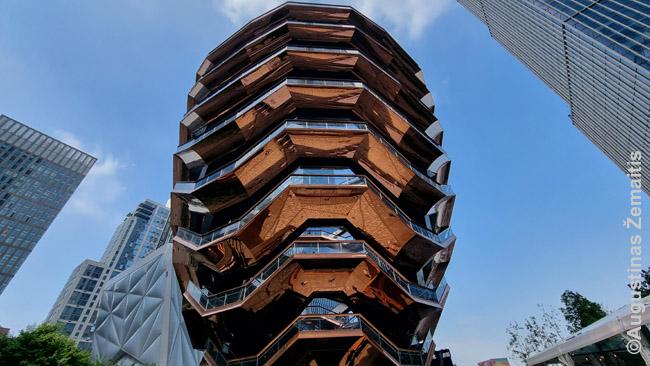 46 m aukščio The Vessel skulptūra, kuria galima laipioti, naujo Hudson Yards dangoraižių rajonėlio centre